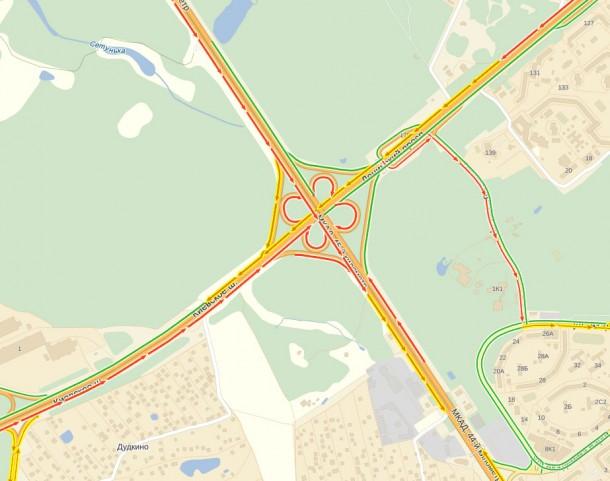 Развзязка Киевского шоссе с МКАД не справляется с потоками и блокируется