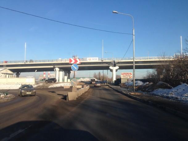 Эстакада на Рябиновой улице.
