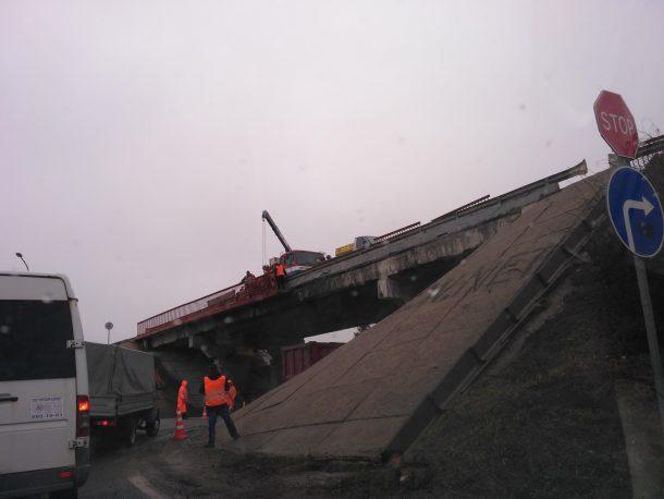 Ремонт путепровода в Кубинке (М-1 - Нарт-Фоминское шоссе). Фото: (с) 2017, форум ROADS.RU